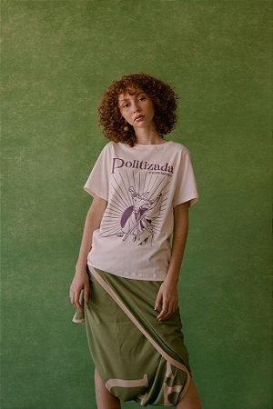 T-shirt Politizada e Com Tempo - Jouer Couture
