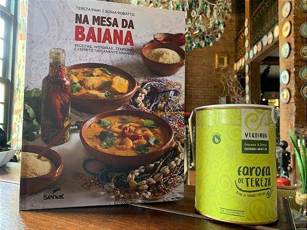 Kit livro e Farofa na Lata de Tereza: livro na mesa da Baiana e Farofa Verdinha na lata (500g)