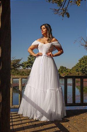 Vestido Clara, de noiva, em tule, com manga ombro a ombro e saia volumosa