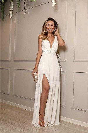 Vestido longo festa branco com fenda e decote.