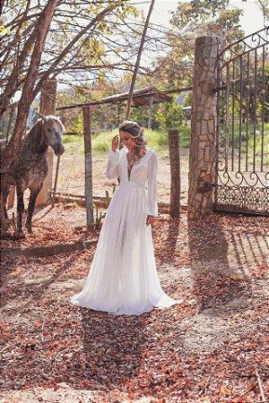 Vestido de noiva longo com decote em V