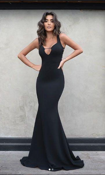 Vestido longo detalhe costas