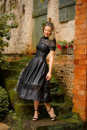 Vestido midi preto mix de couro e renda, batizado, pre wedding