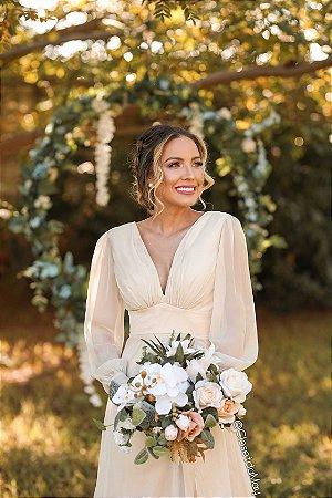 Vestido de noiva manga longa decote baixo, casamento civil, pre wedding, aniversário, off white