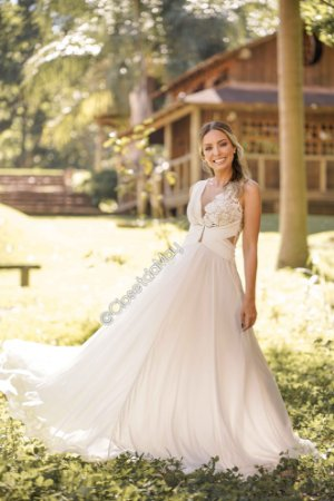 Vestido de noiva branco longo de tule com renda plissado busto e cintura, pre wedding, casamento, aniversário.