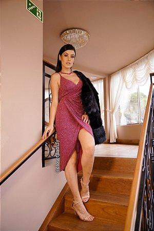 vestido de festa midi lurex com fenda, decote em V, para aniversariante.