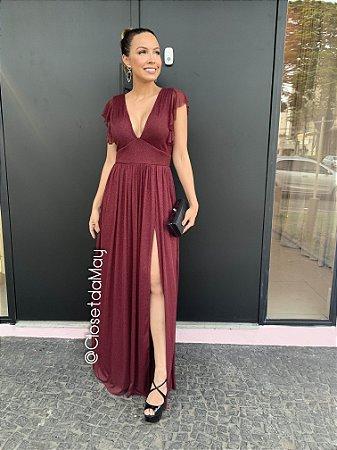 vestido de festa longo em lurex, com alças de babado, decote em v e fenda na lateral, para madrinhas, convidadas.
