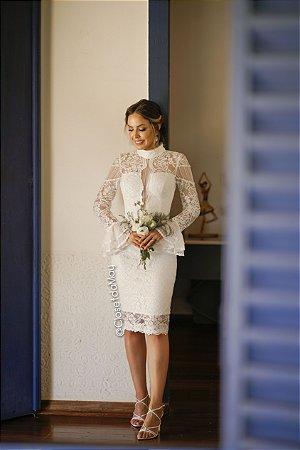 vestido de noiva midi, gola alta e decote baixo, com mangas longas, para casamento civil, cerimônia religiosa, celebrações e renovação de votos