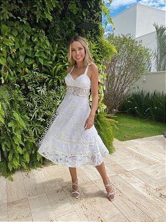 vestido de noiva midi em renda, com alças finas, decote v, para casamento civil, batizado