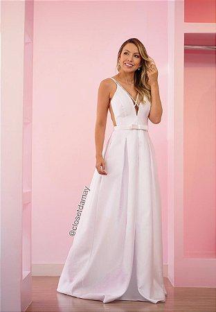Vestido de noiva longo, em zibeline, com cinto, decote v e alças finas. Para casamento civil, cerimônia religiosa.