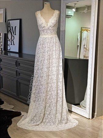 vestido de noiva longo, decote v, alças largas, renda, casamento civil, casamento na praia, pre wedding