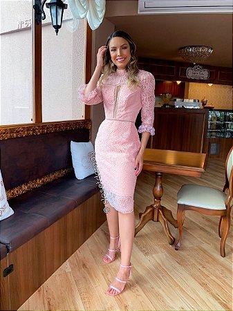 vestido de festa midi, mangas 3/4, com gola alta, em mix de renda, para convidadas, comemorações, aniversariantes