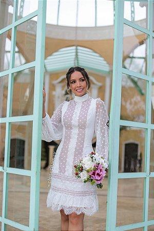 vestido de noiva branco, midi, mangas longas, gola alta, casamento civil, renovação de votos