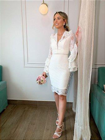 vestido de noiva midi, em renda, decote, mangas longas com babado, para casamento civil, renovação de votos