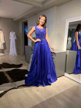 vestido de festa longo, bordado em pedrarias, modelo princesa, para formandas, debutantes