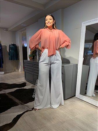 Calça pantalona modelagem ampla, para trabalho ou evento social