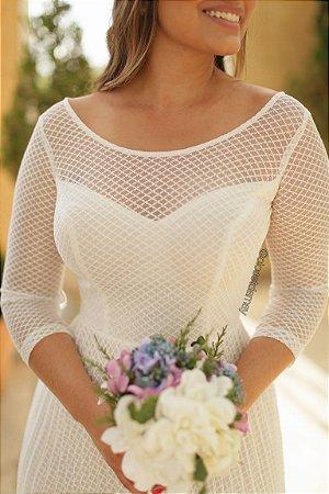 Vestido midi em tule de poá , saia plissada, para casamento civil e casamento religioso