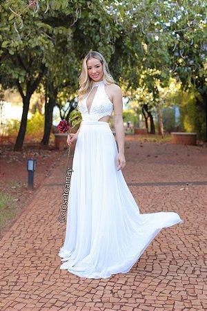 Vestido longo, corpete, bordado, e gola alta. Para casamentos, e pré-wedding.