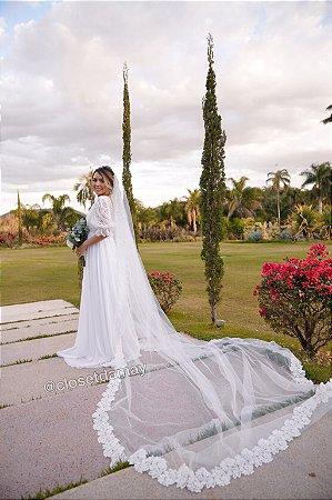Véu Mantilha longo com aplicação em renda e perolas bordadas a mão, para casamento