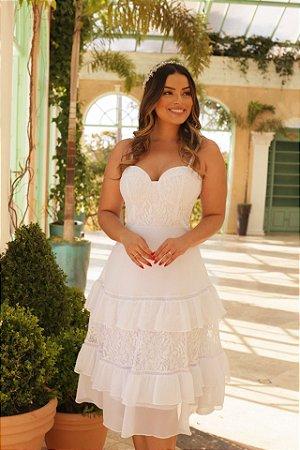 vestido midi com alça, off white, longuete, busto corset e saia em camadas, ideal para casamento religioso, casamento civil.