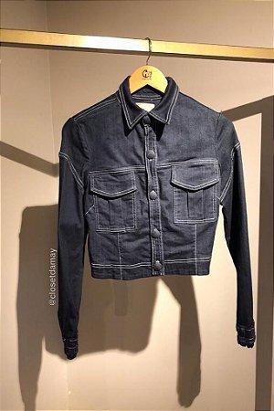Jaqueta jeans escuro com botões