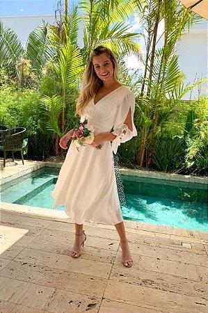 Vestido de noiva lady like, manga longa, com detalhes na cintura, ideal para casamento civil, casamento intimista