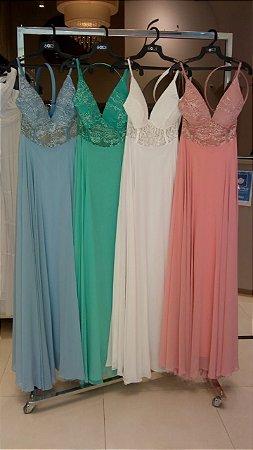 Vestido de noiva longo, alças finas, busto em renda e cinto