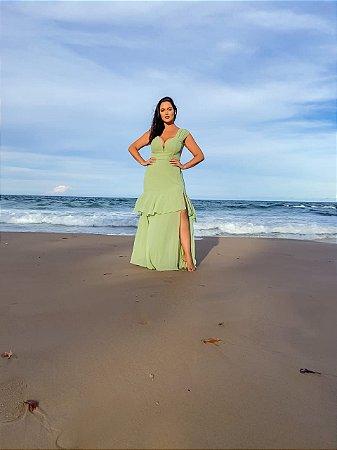 Vestido de festa longo Plus Size, com cinto em tecido, fenda lateral e decote, ideal para madrinhas de casamento