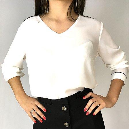 Camisa offwhite com aplique de metal