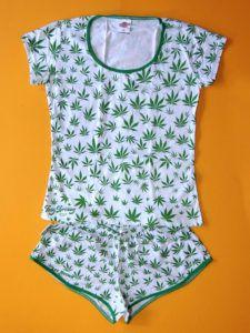 Pijama Cannabis Feminino Branco Blusinha Manga