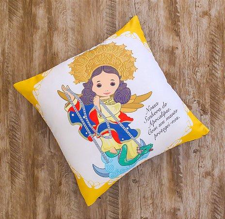 Almofada Coleção Nossa Senhora do Apocalipse Amarela