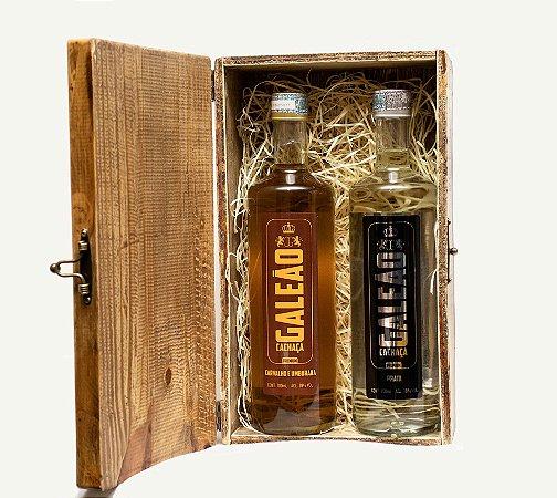 Caixa de madeira com 02 garrafas de Prata ou Umburana
