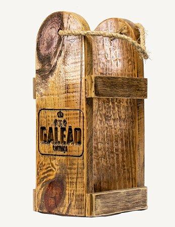 Cesta de madeira com 01 garrafa de Galeão Sabores (escolha o seu)