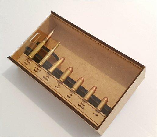 Coleção de Réplicas de Munição de Metralhadora Revolver e Pistola Com Expositor Exclusivo