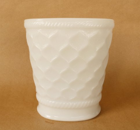 Milk Glass - vaso