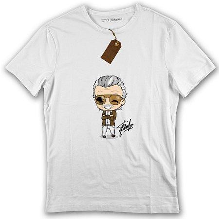 49de1f5b24 Camiseta Stan Lee Cartoon Homenagem Marvel - Netgeeks - A sua loja ...