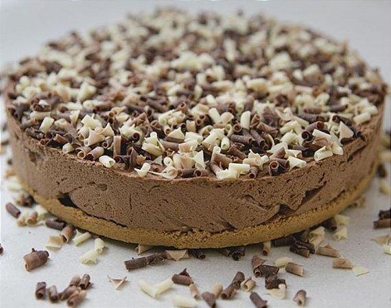 Torta de chocolate belga  com deliciosa  massa de bolacha champagne  com mousse de chocolate belga 1,2 kg Serve 8 fatias