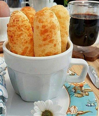 Pão  de queijo  formato palito, delicioso , crocante e leve,  feito com quatro queijos e parmesão por cima  50 un
