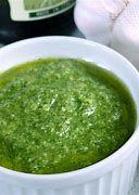 Molho pesto  manjericão 250 ml ( azeite , queijo, parmesão ,nozes, manjericão , alho )