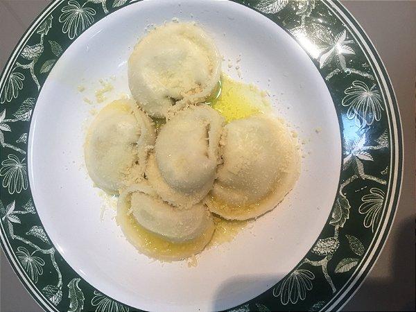 Ravioli de queijo  burrata com limão siciliano pacote com 500 g serve até 3 pessoas