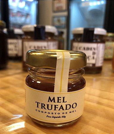 Mel trufado, para paladares sofisticados, ideal para queijos, saladas, massas e canapés. Peso 40g
