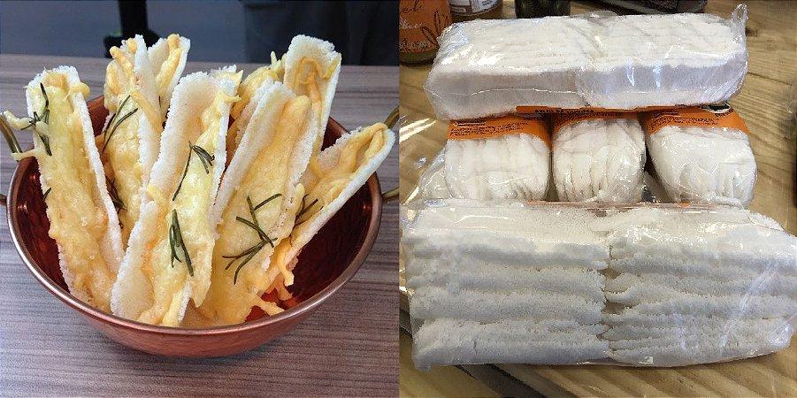 Beiju de Tapioca, ideal para comer como entradinha com queijos ou geléias. Peso 65g - cerca de 20 barquinhos.
