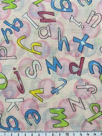 Tricoline Alfabeto Fundo Rosa  ( 0,50 m x 1,40 m )