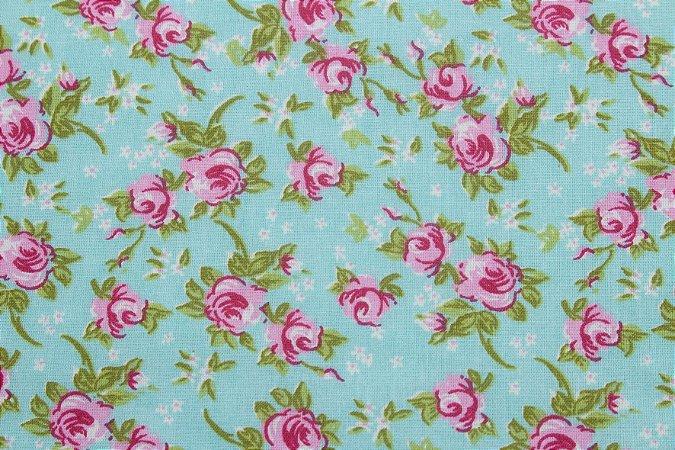 Tricoline Floralzinho fundo Verde ( 0,50 m x 1,40 m )