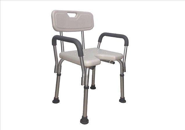 Banco para banho com encosto, alça lateral e assento com abertura frontal - 110 kilos