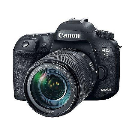 Câmera Canon EOS 7D Mark II com Lente EF-S 18-135mm f/3.5-5.6 IS Nano USM