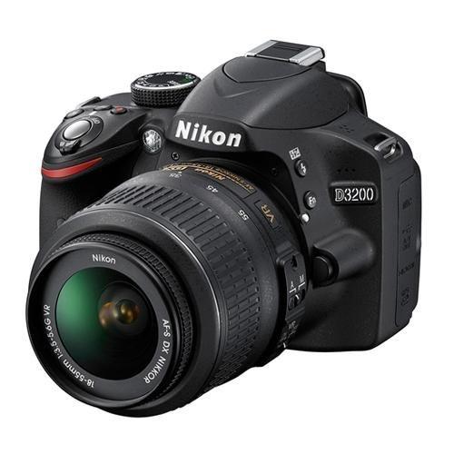 Câmera Nikon DX D3200 com Lente AF-S DX 18-55mm f/3.5-5.6G VR II