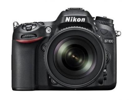 Câmera Nikon DX D7100 com Lente AF-S DX 18-105mm f/3.5-5.6G ED VR