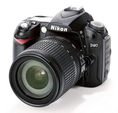 Câmera Nikon DX D90 com Lente 18-105mm VR