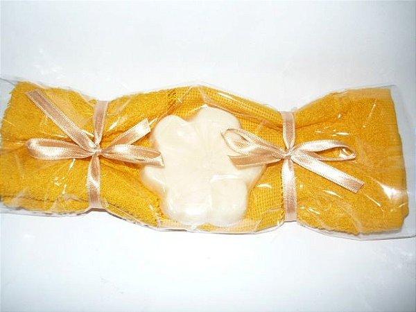 Toalha Bombom - cor amarela